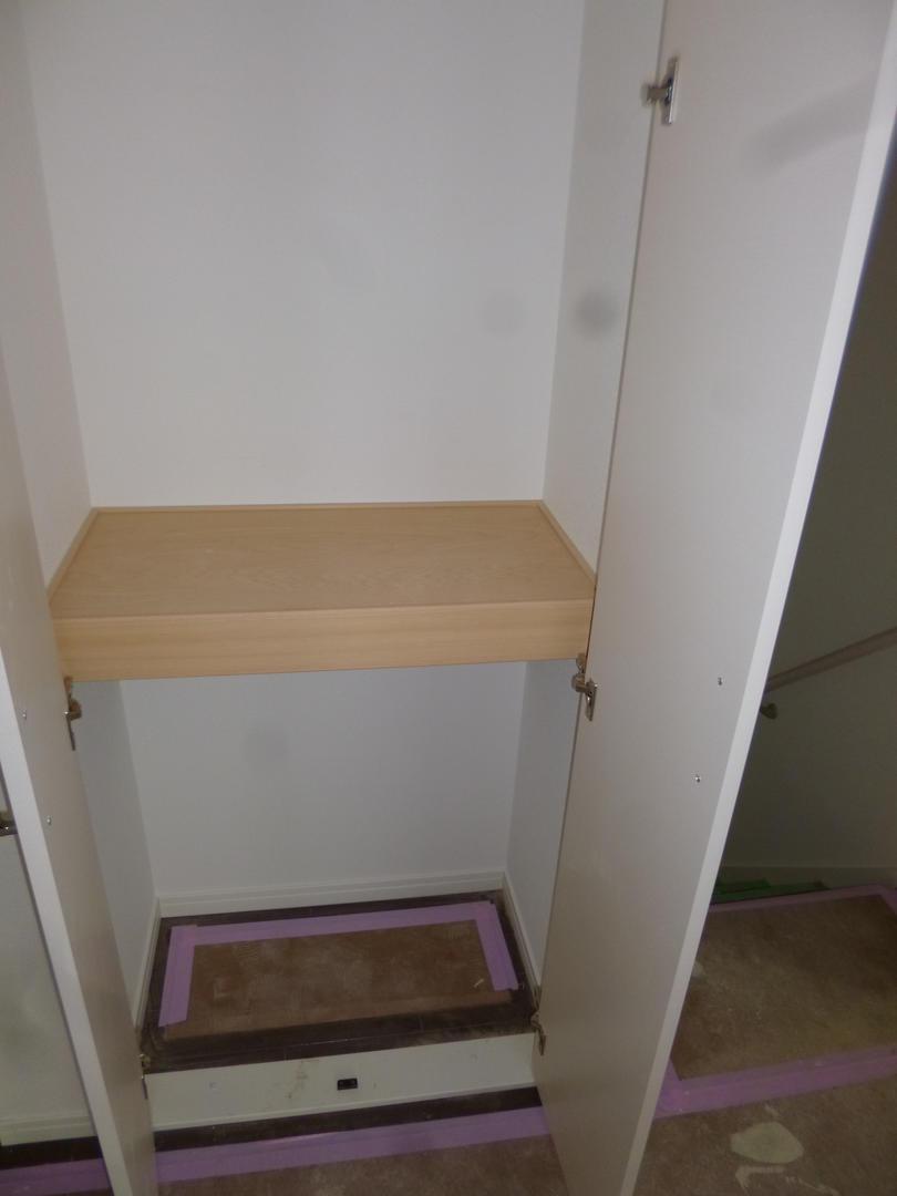 高倉町39802階階段横収納