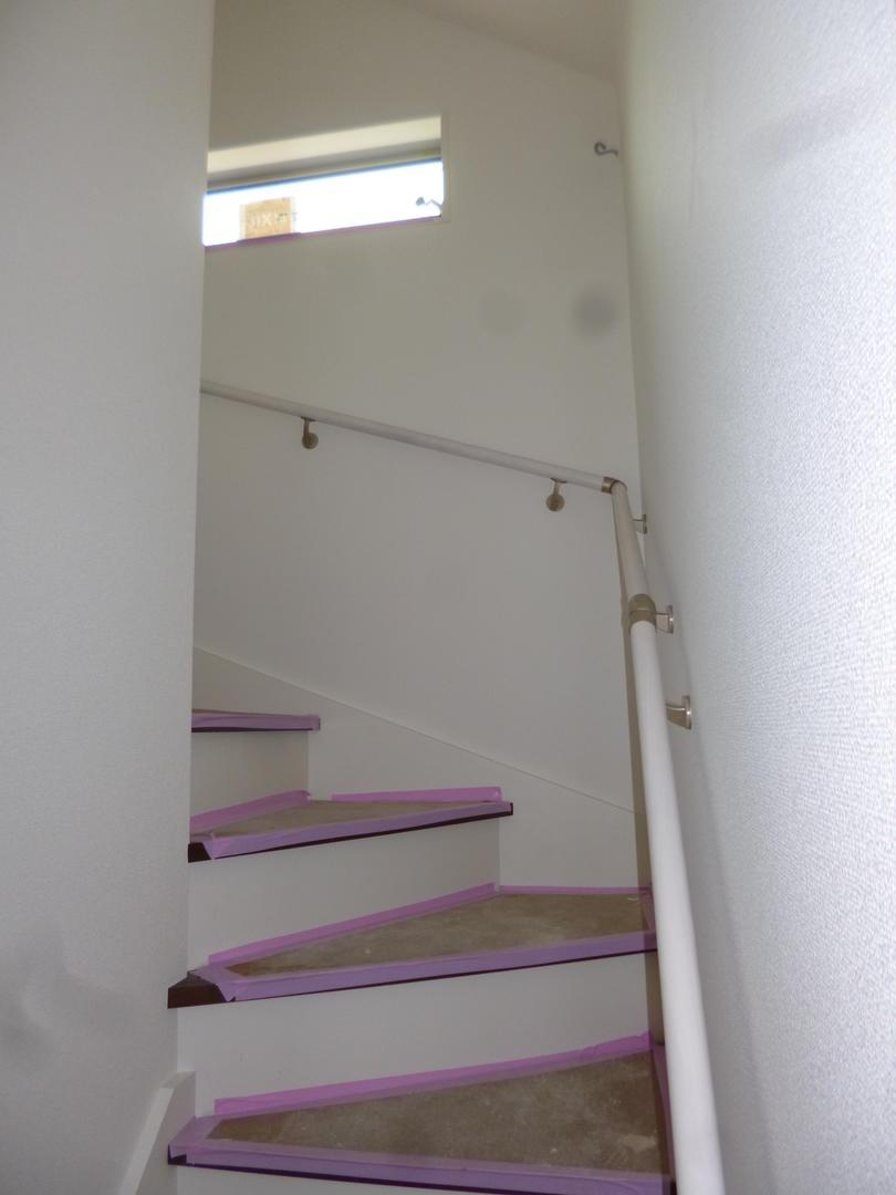高倉町3980小屋裏収納階段