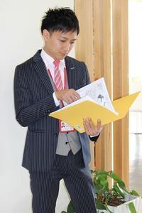 スタッフ写真2